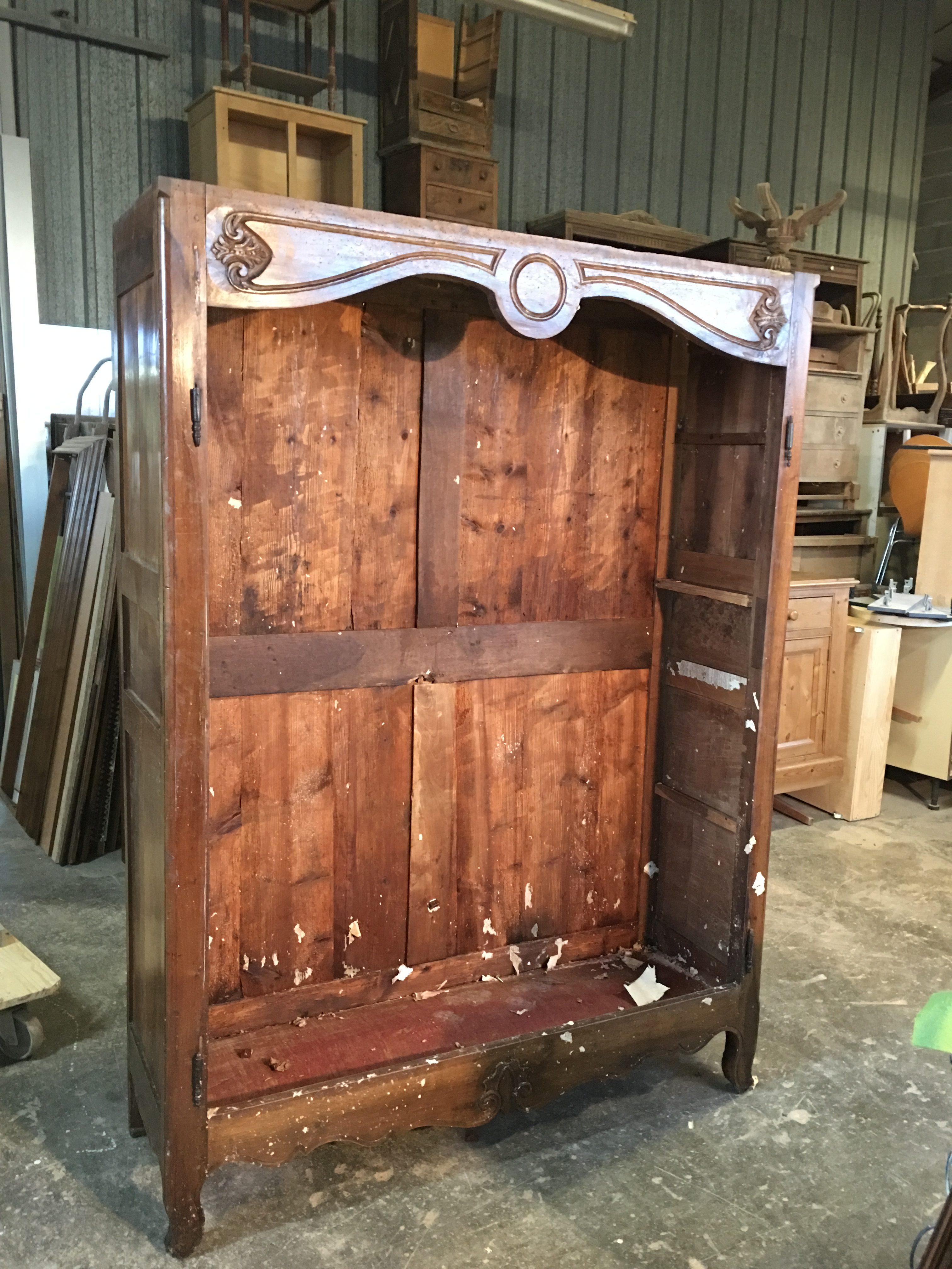 armoire chêne teinte chêne rustique