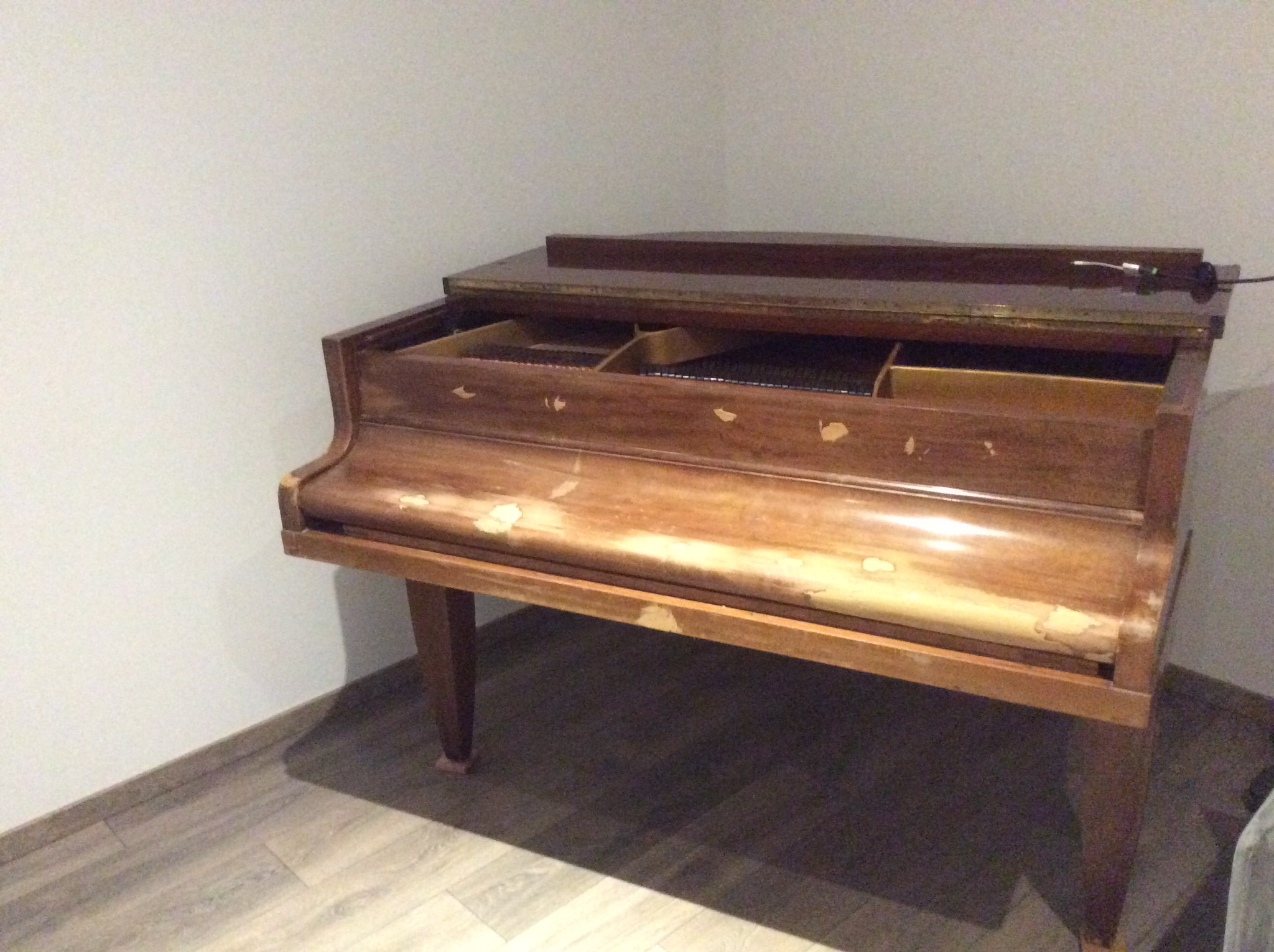 piano 1/4 de queue placage noyer