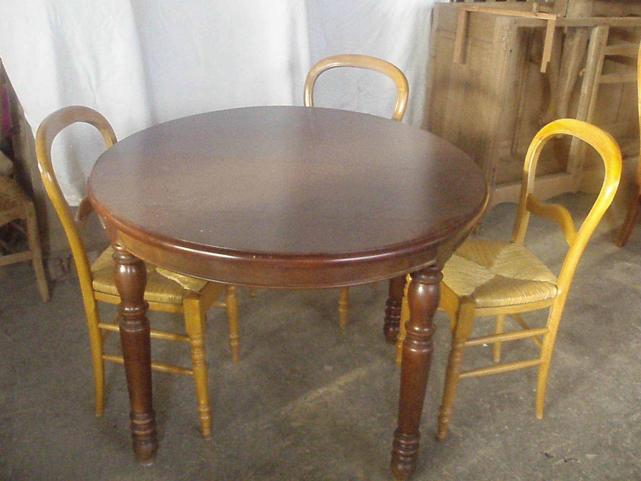table et chaise hêtre teinté