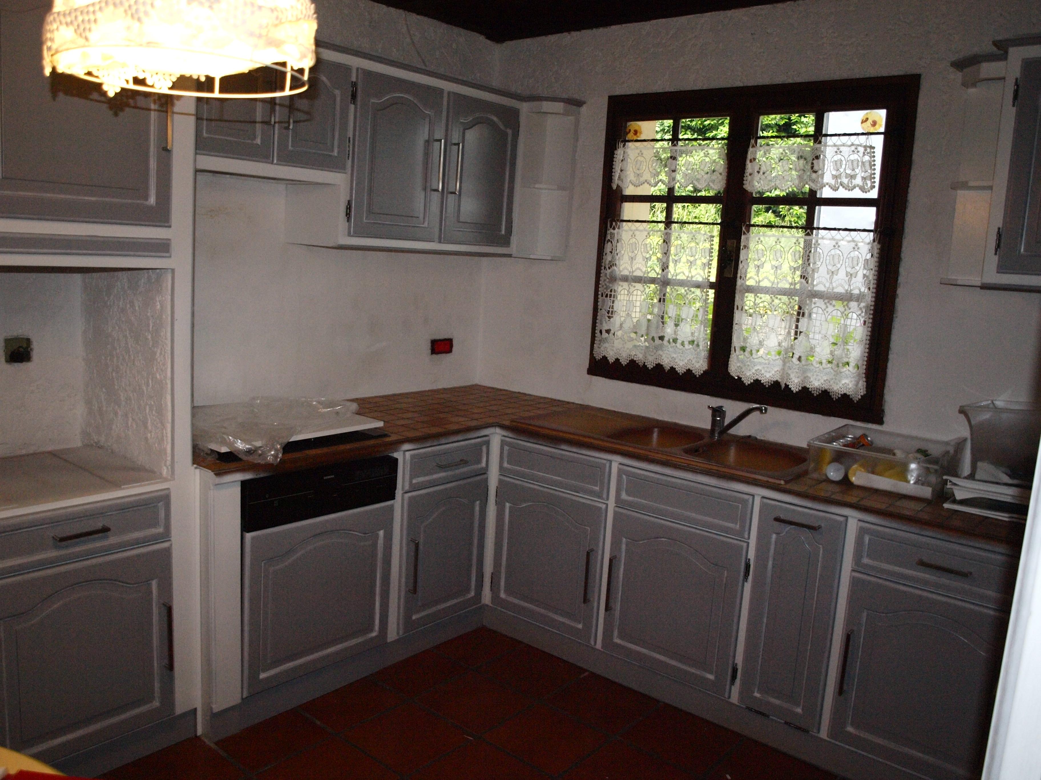 cuisine chêne laqué gris cadre laqué blanc