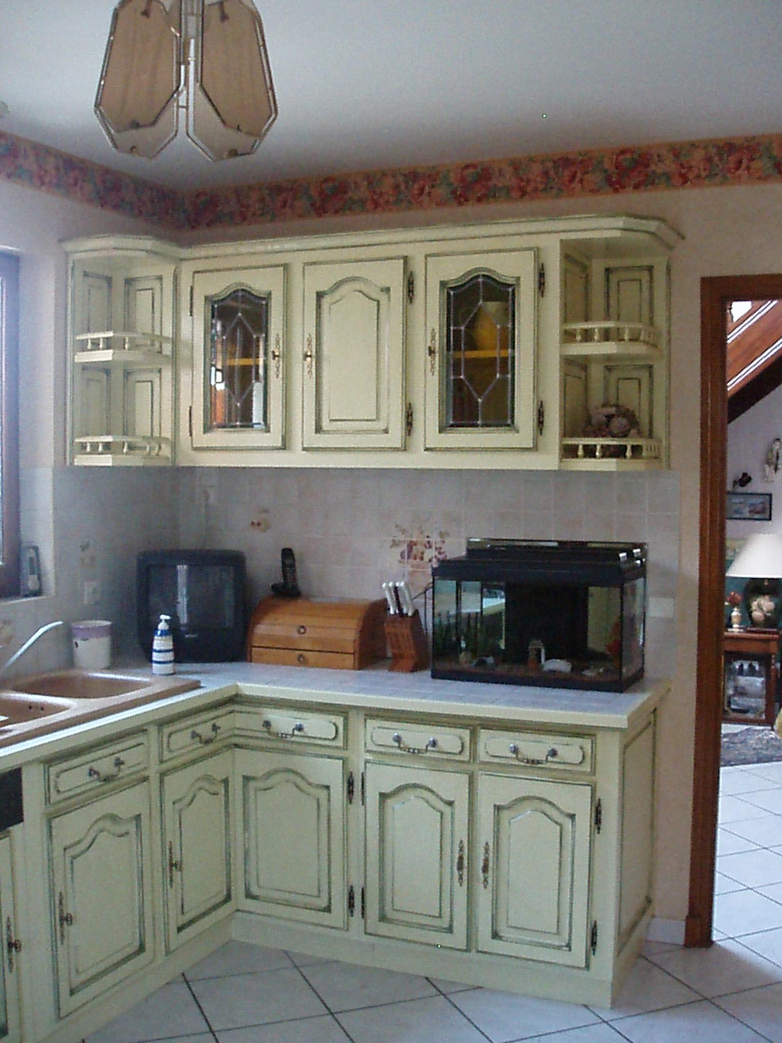 cuisine chêne laque cérusé ivoire/rechampi vert