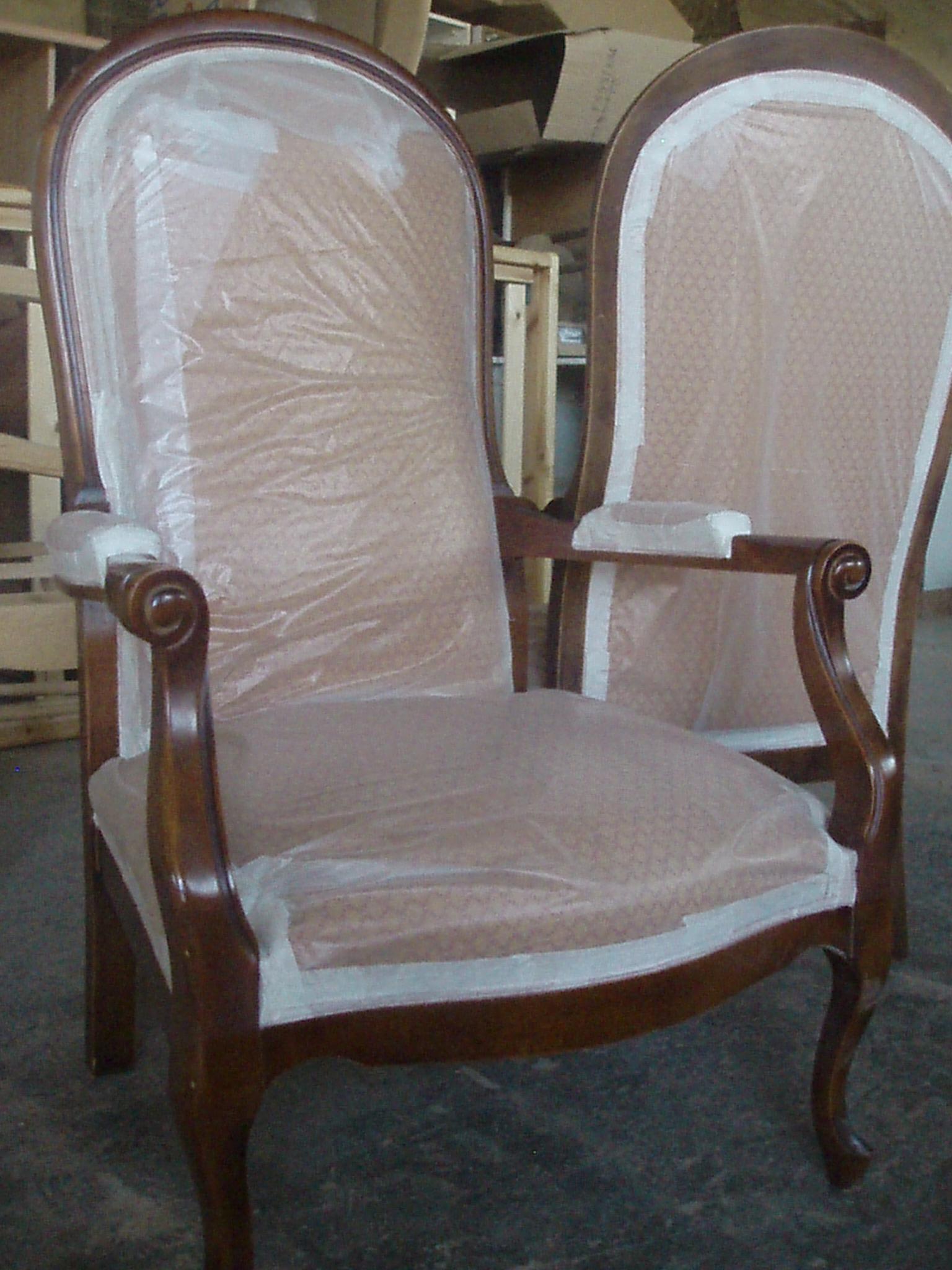 fauteuil voltaire pendant le décapage à sec ( cause tissu )